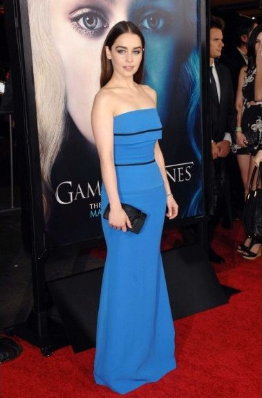 game-of-thrones-juego-de-tronos-serie-tv-show-hbo-modaddiction-red-carpet-alfombra-roja-moda-fashion-star-actor-actress-actriz-Emilia-Clarke-Daenerys-Targaryen-2