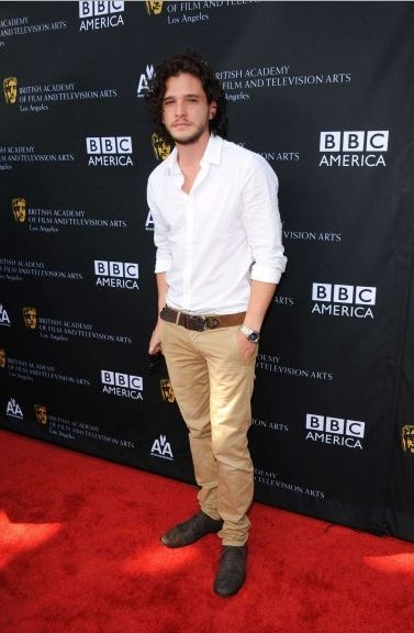 game-of-thrones-juego-de-tronos-serie-tv-show-hbo-modaddiction-red-carpet-alfombra-roja-moda-fashion-star-actor-actress-actriz-Kit-Harington-Jon-Snow-2