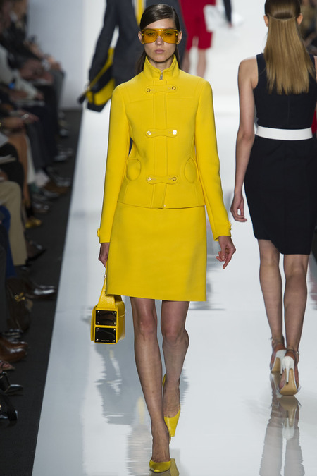 i-colores-it-colours-primavera-verano-2013-spring-summer-2013-estilo-style-look-modaddiction-trends-tendencias-moda-fashion-week-pasarela-amarillo-yellow-michael-kors-1