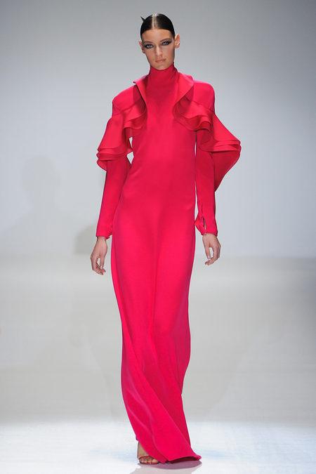 i-colores-it-colours-primavera-verano-2013-spring-summer-2013-estilo-style-look-modaddiction-trends-tendencias-moda-fashion-week-pasarela-pink-rosa-gucci-1