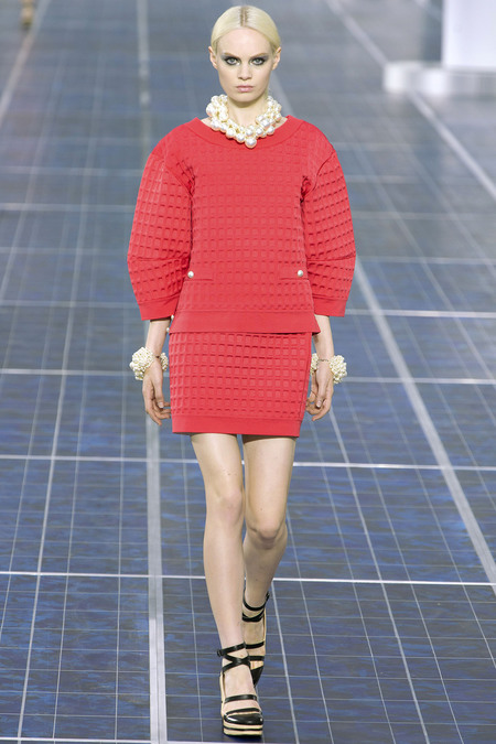 i-colores-it-colours-primavera-verano-2013-spring-summer-2013-estilo-style-look-modaddiction-trends-tendencias-moda-fashion-week-pasarela-red-rojo-chanel-1