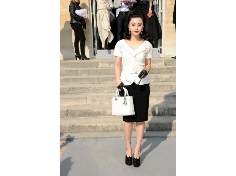 lady-dior-christian-dior-it-bag-it-bolso-complemento-accessories-accesorio-handbag-modaddiction-moda-fashion-famosas-star-people-estrellas-trends-tendencias-fan-bing-bing