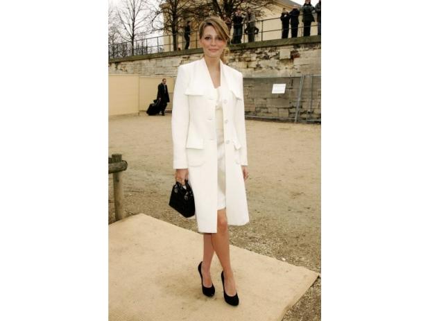 lady-dior-christian-dior-it-bag-it-bolso-complemento-accessories-accesorio-handbag-modaddiction-moda-fashion-famosas-star-people-estrellas-trends-tendencias-mischa-barton