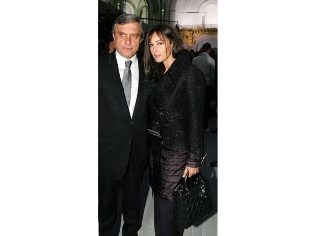 lady-dior-christian-dior-it-bag-it-bolso-complemento-accessories-accesorio-handbag-modaddiction-moda-fashion-famosas-star-people-estrellas-trends-tendencias-monica-bellucci