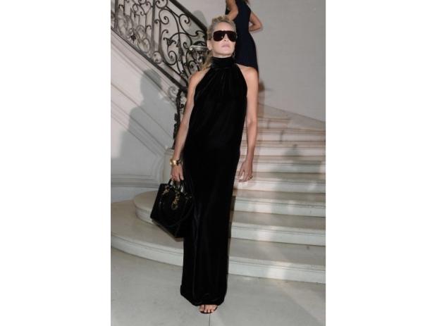 lady-dior-christian-dior-it-bag-it-bolso-complemento-accessories-accesorio-handbag-modaddiction-moda-fashion-famosas-star-people-estrellas-trends-tendencias-sharon-stone