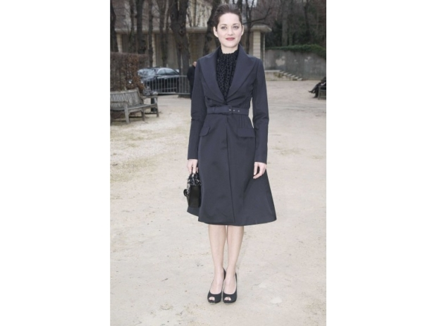 lady-dior-christian-dior-it-bag-it-bolso-complemento-accessories-accesorio-handbag-modaddiction-moda-fashion-famosas-star-people-estrellas-trends-tendencias_marion-cotillard
