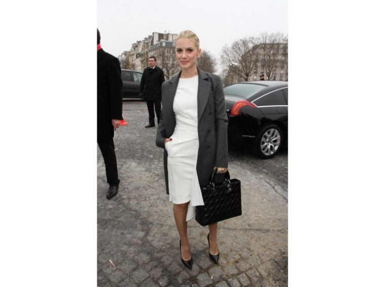lady-dior-christian-dior-it-bag-it-bolso-complemento-accessories-accesorio-handbag-modaddiction-moda-fashion-famosas-star-people-estrellas-trends-tendencias_mélanie-laurent