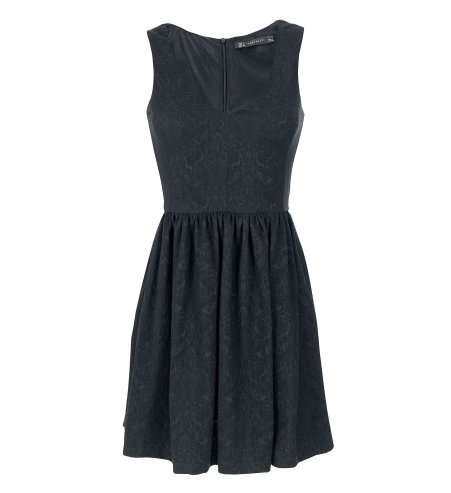 little-black-dress-pequeno-vestido-negro-primavera-verano-2013-spring-summer-2013-modaddictos-moda-fashion-trends-tendencias-must-have-imprescindible-zara
