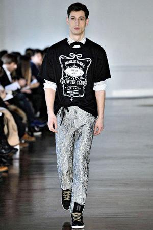 pajarita-bow-tie-urbano-chic-casual-preppy-moda-fashion-hombre-menswear-man-modaddiction-accesorios-accessories-trends-tendencias-complemento-look-estilo-alexis-mabille