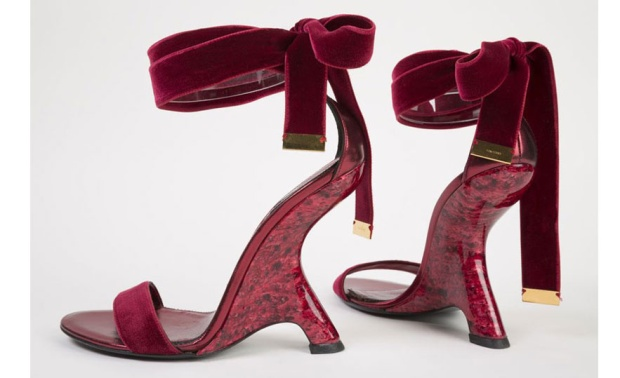 shoes-obsession-exposicion-exhibition-libro-book-zapatos-footwear-calzado-modaddiction-designer-disenador-culture-cultura-moda-fashion-Tom-ford