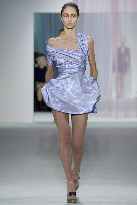 tendencia-metalica-metalic-metal-trends-primavera-verano-2013-spring-summer-2013-modaddiction-fashion-week-semana-moda-design-diseno-oro-gold-plata-christian-dior-2