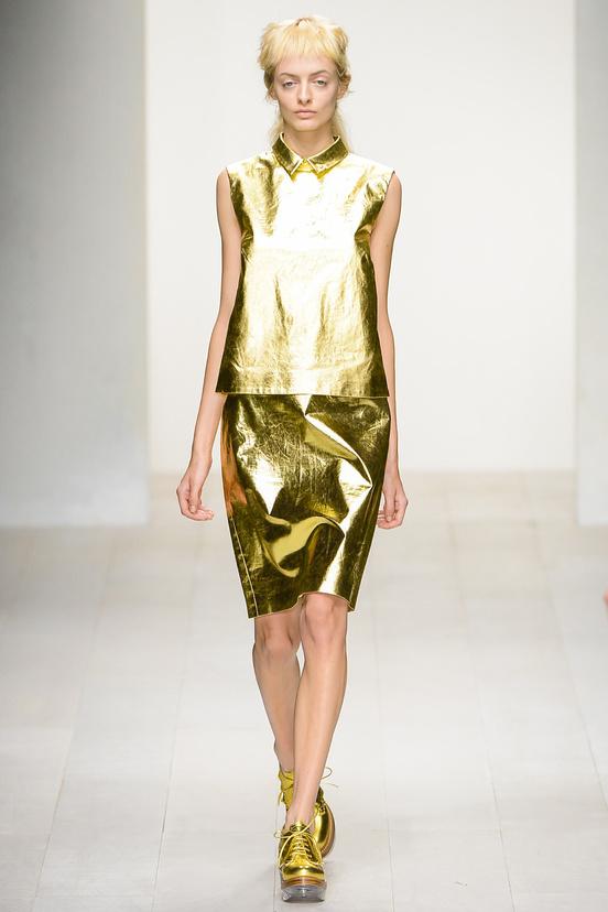 tendencia-metalica-metalic-metal-trends-primavera-verano-2013-spring-summer-2013-modaddiction-fashion-week-semana-moda-design-diseno-oro-gold-plata-simone-rocha