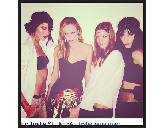 top-modelos-models-instagram-it-girl-vintage-hispster-indie-glamour-modaddiction-fotografia-photography-chic-estrella-star-famosas-moda-fashion-trends-tendencias-kasia-struss