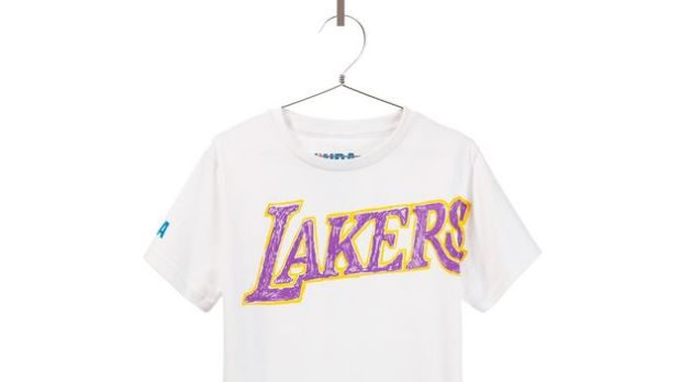 Zara-NBA-limitada-edicion-camisetas-mundial-limited-edition-t-shirt-inditex-modaddiction-coleccion-capsula-collection-moda-fashion-trends-tendencias-los-angeles-lakers-1