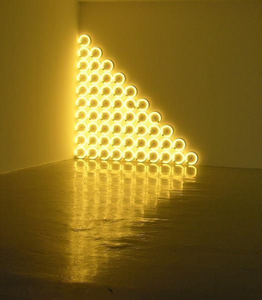 dan-flavin-moda-fluor-fashion-neon-design-diseno-arte-art-tendencia-trends-modaddiction-artista-artist-luz-lights-exposicion-exhibition-fluo-american-retro-2