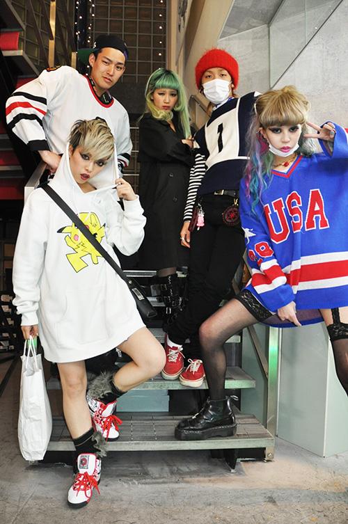 fake-tokyo-fashion-japan-trends-style-looks-street-style-moda-japonesa-tendencias-underground-modaddiction-6
