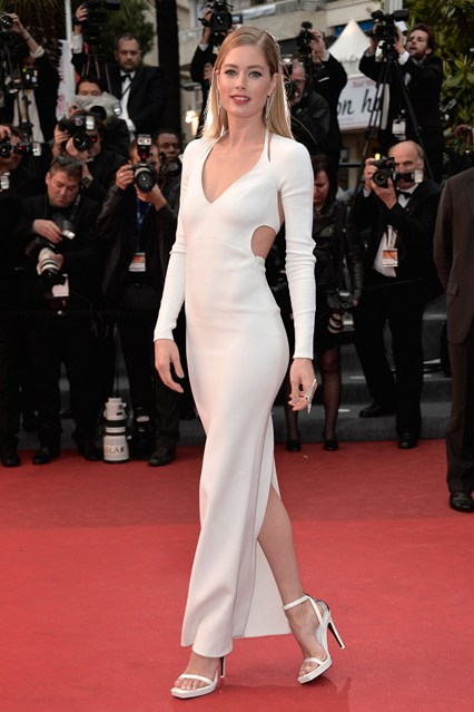 festival-cannes-2013-glamour-alfombra-roja-cine-cinema-marca-moda-fashion-brand-modaddiction-costura-actriz-couture-actress-famosa-people-lujo-Doutzen-Kroes-Calvin-Klein
