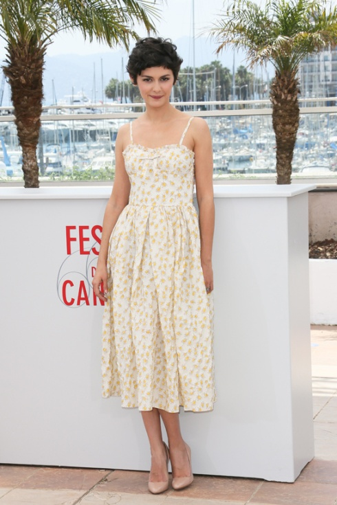 festival-cannes-cine-cinema-moda-fashion-glamour-modaddiction-star-estrella-people-moda-fashion-red-carpet-alfombra-roja-culture-cultura-audrey-tautou-red-valentino-1