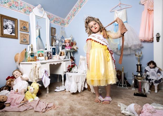 jonathan-hobin-fotografo-photographer-choc-brutal-violente-fotografia-photography-in-the-playroom-modaddiction-culture-cultura-trends-tendencias-kids-ninos-2