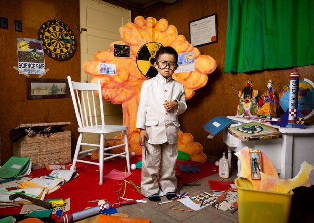 jonathan-hobin-fotografo-photographer-choc-brutal-violente-fotografia-photography-in-the-playroom-modaddiction-culture-cultura-trends-tendencias-kids-ninos-5