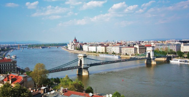 budapest-liligo-holidays-vacaciones-verano-summer-hungary-hungria-moda-fashion-modaddiction-fiesta-party-culture-cultura-spa-night-noche-arte-art-1