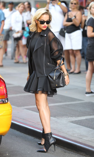 rita-ora-imagen-dkny-singer-fashion-moda-tendencias-trends-modaddiction-3