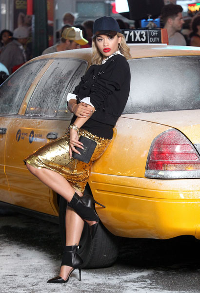 rita-ora-imagen-dkny-singer-fashion-moda-tendencias-trends-modaddiction-4