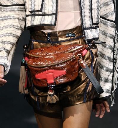 alerta-tendencia-regreso-rinonera-moda-años-80-90-accesorio-complemento-firmas-lujo-modaddiction-2