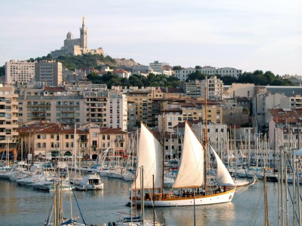 cool-district-trendy-fashion-moda-barrio-modaddiction-travel-viaje-culture-cultura-trends-tendencias-vieux-port-marseille-2