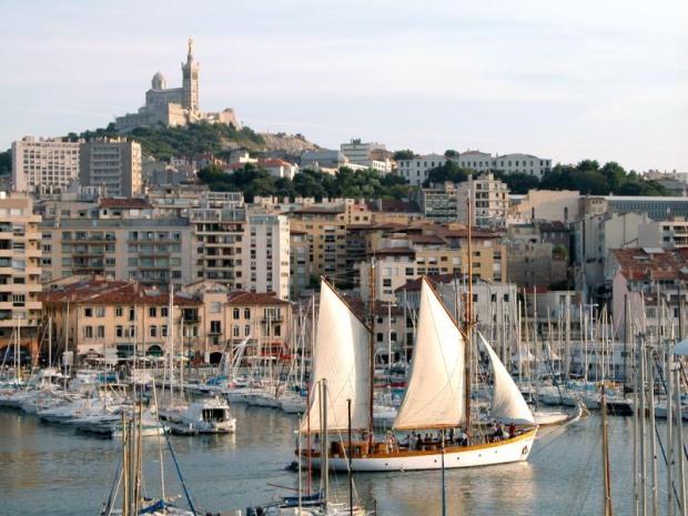 cool-district-trendy-fashion-moda-barrio-modaddiction-travel-viaje-culture-cultura-trends-tendencias-vieux-port-marseille-2