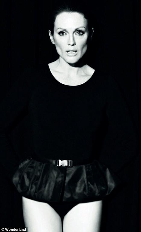 l'oréal-paris-collection-privée-belleza-beauty-musas-muses-modaddiction-moda-fashion-glamour-chic-campana-video-campaign-julianne-moore