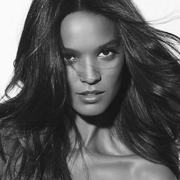 l'oréal-paris-collection-privée-belleza-beauty-musas-muses-modaddiction-moda-fashion-glamour-chic-campana-video-campaign-liya-kebede
