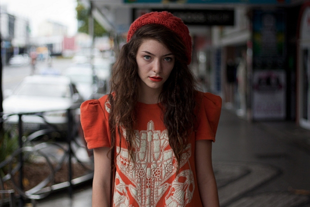 lorde-pure-heroine-music-musica-trendy-modaddiction-royals-tennis-court-trends-tendencias-cantante-singer-5