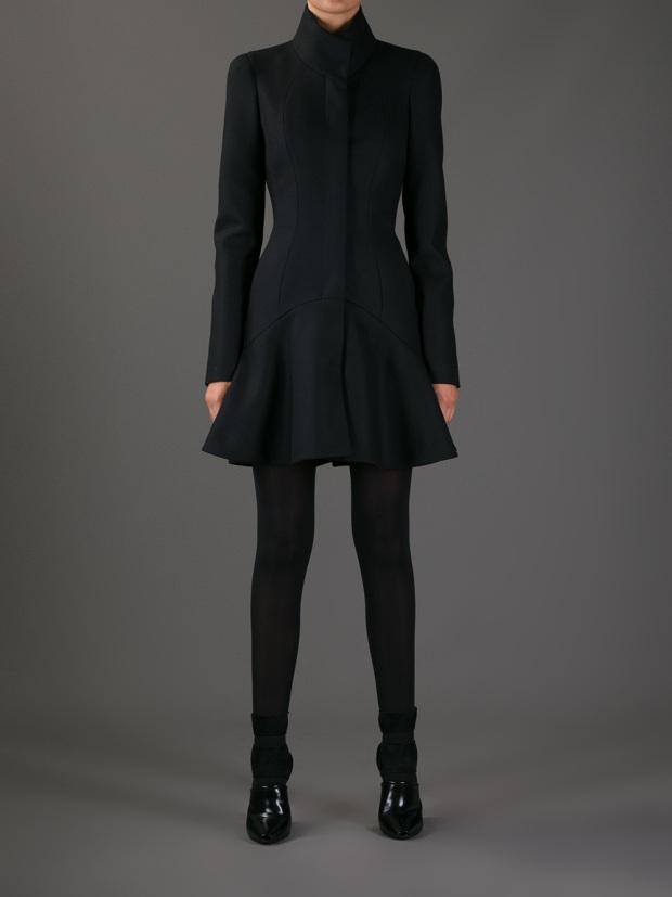 abrigo-farfetch-moda-tendencia-otono-invierno-2013-2014-coat-fashion-trend-fall-winter-2013-2014-modaddiction-farfetch-alexander-mcqueen