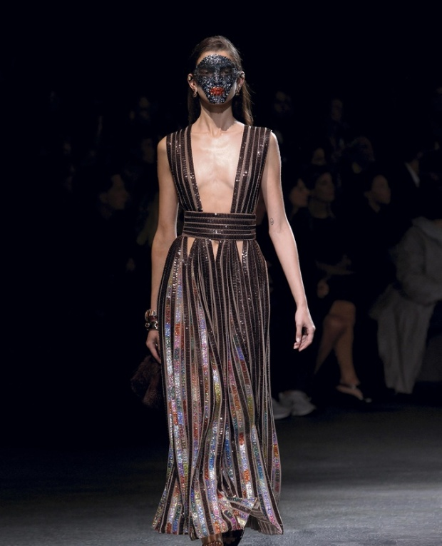 paris-fashion-week-pring-summer-2014-semana-moda-primavera-verano-2014-modaddiction-desfile-catwalk-pasarela-runway-chic-estilo-style-givenchy-1
