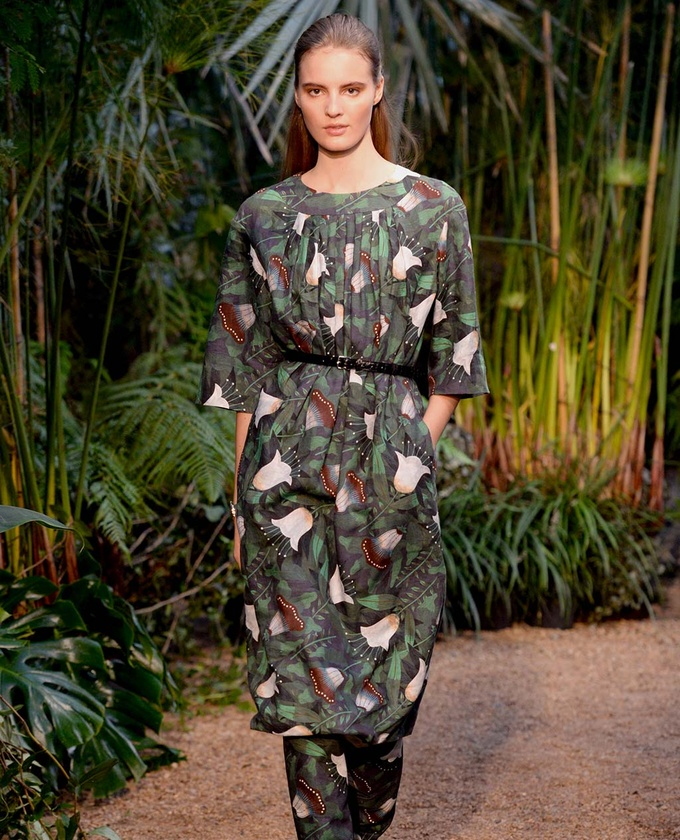 paris-fashion-week-pring-summer-2014-semana-moda-primavera-verano-2014-modaddiction-desfile-catwalk-pasarela-runway-chic-estilo-style-hermes-1