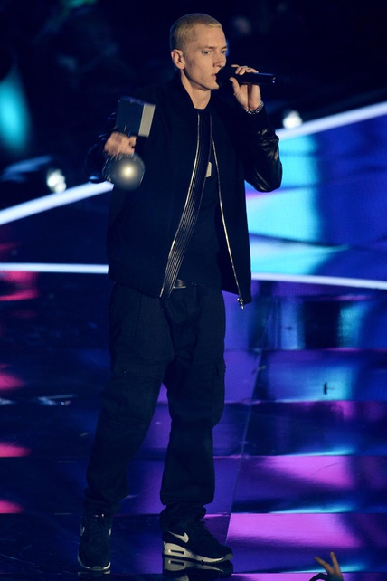 mtv-ema-2013-music-awards-looks-momentos-moments-miley-cirus-katy-perry-eminem-modaddiction