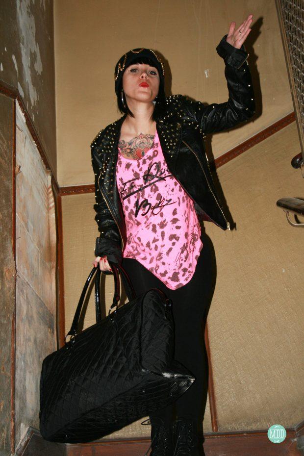 bissu_complementos_accesorios_tendencia_moda_looks_jehni_chaqueta_tachuelas_beanie_krizia_robustella_modaddiction_7