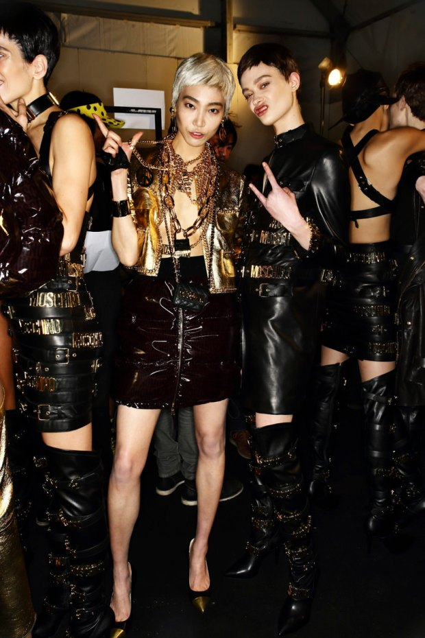 fashion-week-milan-jeremy-scott-moschino-backstage-aw2014-modaddiction-5