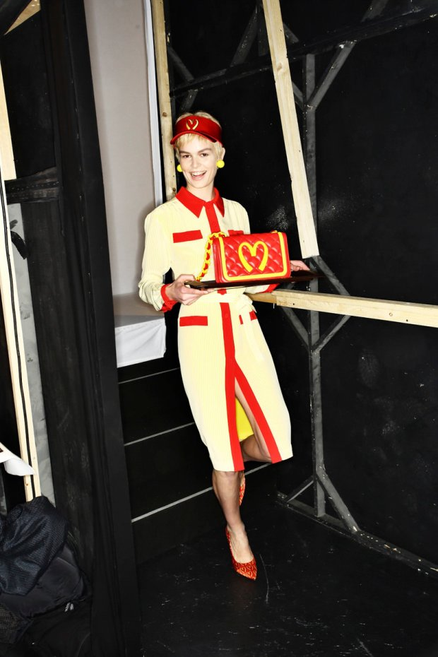 fashion-week-milan-jeremy-scott-moschino-backstage-aw2014-modaddiction-8