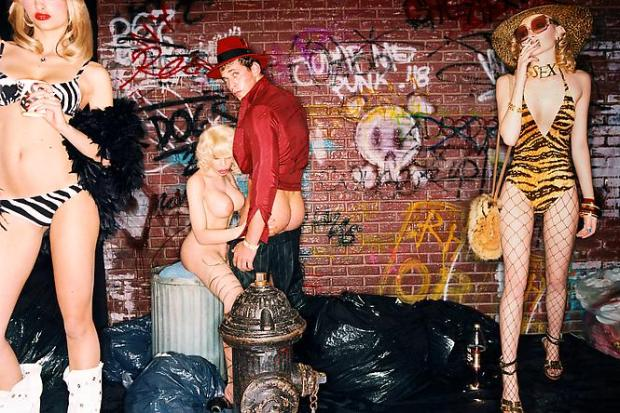 david-lachapelle-guilty-thing-2003-creative-photography-fotografia-creativa-modaddiction-2