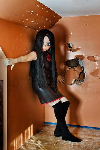 laurie-simmons-artist-kigurumi-dollers-cosplay-doll-face-japanese-munecas-disfraces-modaddiction-10