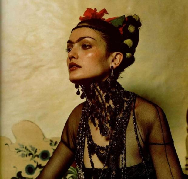 pintora-frida-kahlo-icono-moda-editoriales-hipster-feminismo-modaddiction-7