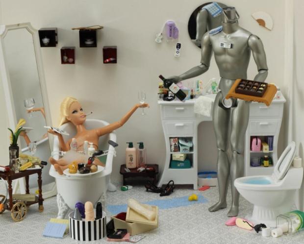 barbie-killer-ken-mariel-clayton-photography-fotografia-barbie-asesina-modaddiction-14