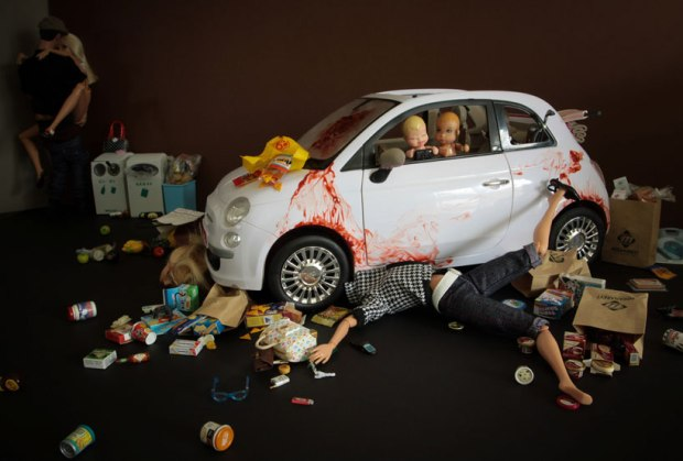barbie-killer-ken-mariel-clayton-photography-fotografia-barbie-asesina-modaddiction-2