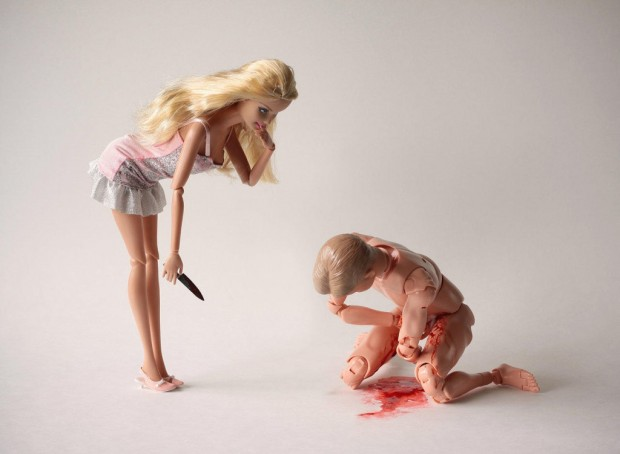 barbie-killer-ken-mariel-clayton-photography-fotografia-barbie-asesina-modaddiction-3
