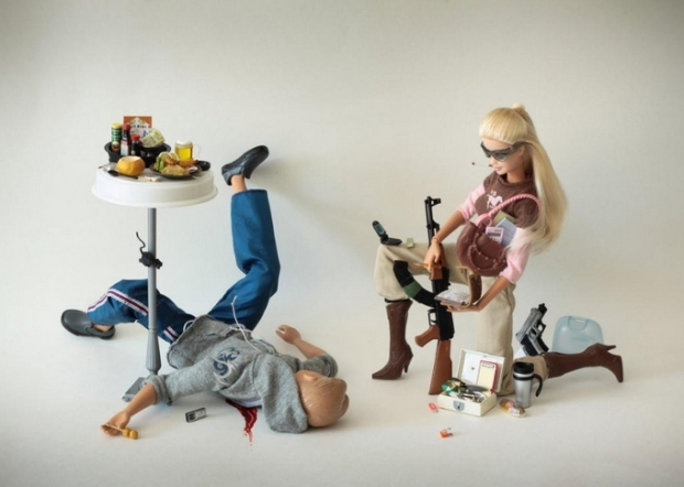 barbie-killer-ken-mariel-clayton-photography-fotografia-barbie-asesina-modaddiction-7