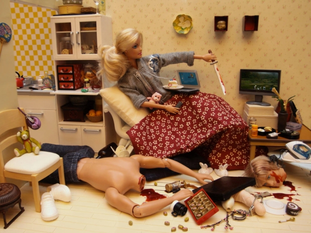 barbie-killer-ken-mariel-clayton-photography-fotografia-barbie-asesina-modaddiction-8