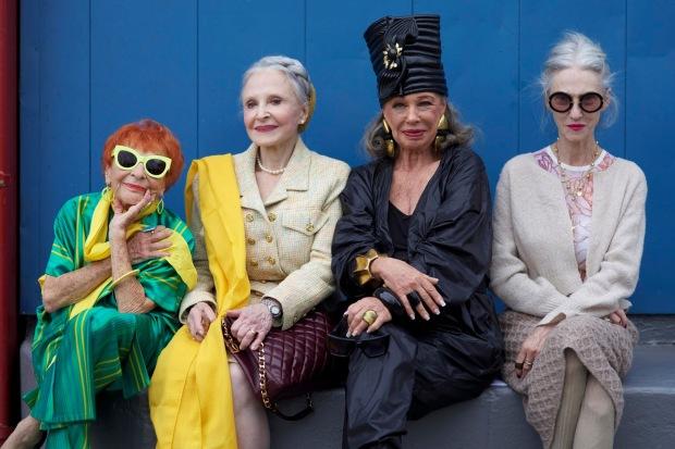 advanced-style-blog-seth-cohen-fashion-trends-women-age-moda-tercera-edad-tendencias-modaddiction-10