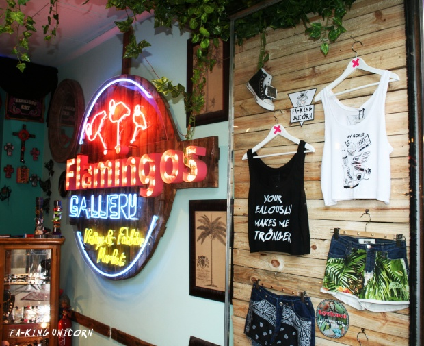 party-faking-unicorn-clothing-limited-edition-lyelcoco-vintage-clothing-flamingos-gallery-barcelona-modaddiction-5